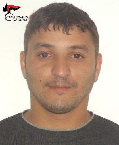 http://www.ragusanews.com//immagini_articoli/01-12-2015/estorsione-a-luci-rosse-a-un-politico-arrestato-rumeno-500.jpg