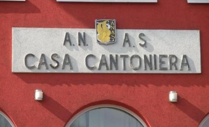 https://www.ragusanews.com//immagini_articoli/01-12-2016/immobili-ex-provincia-offerte-per-4-case-cantoniere-e-un-relitto-stradale-420.jpg