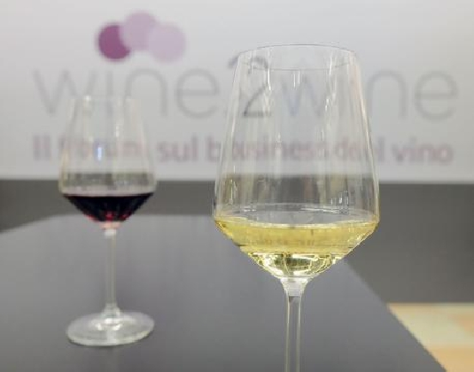 http://www.ragusanews.com//immagini_articoli/01-12-2016/vino-il-best-wines-of-sicily-a-zurigo-420.jpg