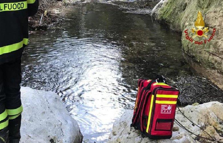 https://www.ragusanews.com//immagini_articoli/01-12-2019/1575223231-trovato-corpo-di-una-donna-dentro-canalone-pieno-d-acqua-1-500.jpg