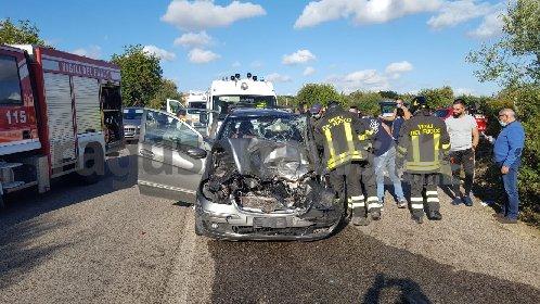 https://www.ragusanews.com//immagini_articoli/01-12-2020/1606836247-incidente-con-tre-feriti-sulla-modica-mare-1-280.jpg