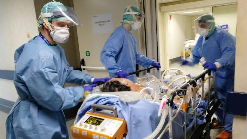 https://www.ragusanews.com//immagini_articoli/01-12-2020/covid-meno-contagi-ma-piu-decessi-quasi-17mila-italiani-morti-a-novembre-280.jpg