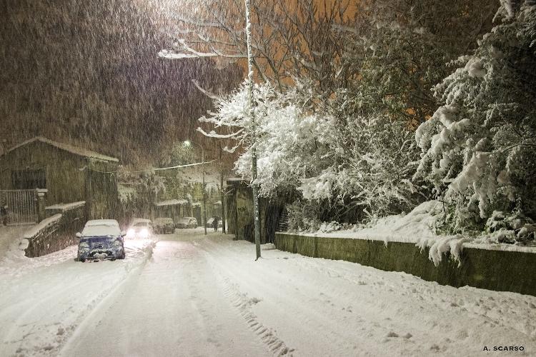 http://www.ragusanews.com//immagini_articoli/02-01-2015/neve-modica-chiede-dichiarazione-stato-calamita-500.jpg