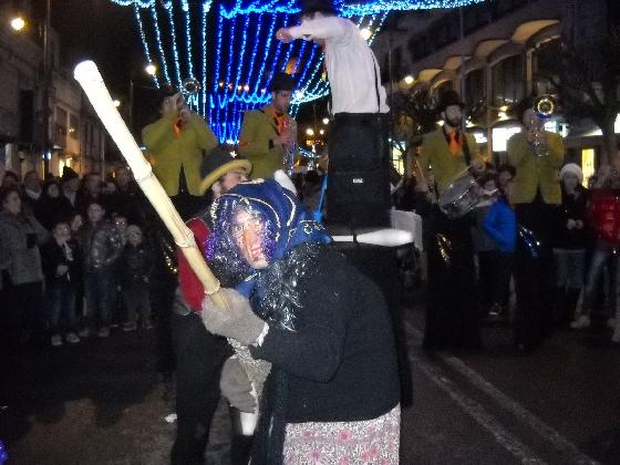 https://www.ragusanews.com//immagini_articoli/02-01-2017/notte-bianca-modica-420.jpg