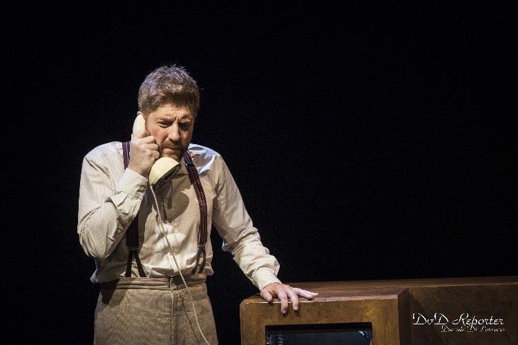 https://www.ragusanews.com//immagini_articoli/02-01-2020/zhivago-story-il-libro-che-non-doveva-essere-scritto-in-teatro-a-modica-500.jpg