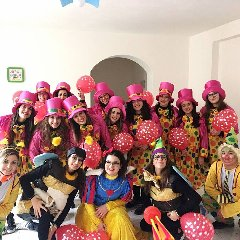 https://www.ragusanews.com//immagini_articoli/02-02-2018/chiaramonte-festa-mascherine-villaggio-gulfi-namaste-240.jpg