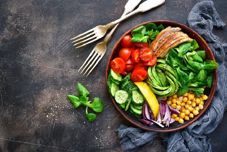 https://www.ragusanews.com//immagini_articoli/02-02-2021/dieta-per-dimagrire-con-pochi-carboidrati-la-dieta-settimanale-500.jpg