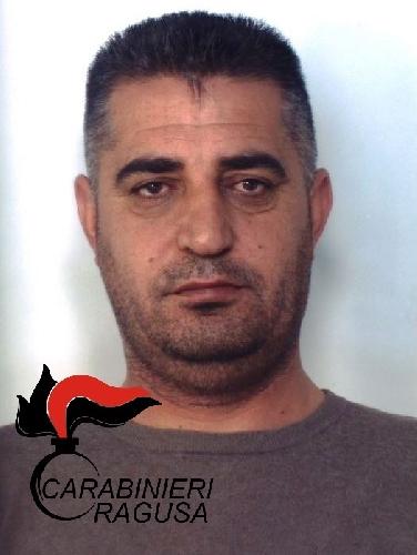 http://www.ragusanews.com//immagini_articoli/02-03-2016/coca-e-migliaia-di-euro-arrestato-spacciatore-500.jpg