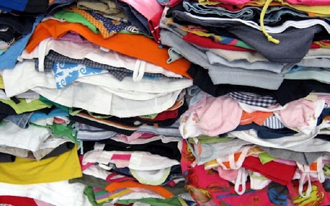 https://www.ragusanews.com//immagini_articoli/02-03-2017/pachistano-raccoglieva-abusivamente-indumenti-usati-denunciato-420.jpg