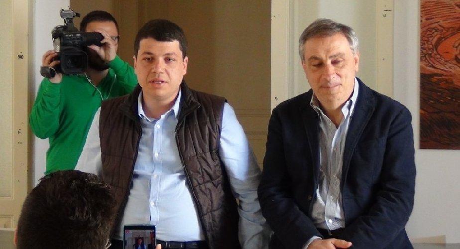 https://www.ragusanews.com//immagini_articoli/02-03-2018/arrestato-droga-ragusa-processo-consigliere-bonafede-500.jpg