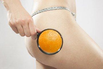https://www.ragusanews.com//immagini_articoli/02-03-2018/cellulite-pelle-buccia-arancia-eliminarla-240.jpg