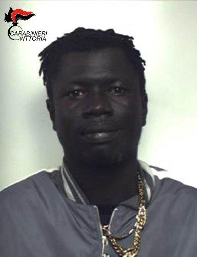 https://www.ragusanews.com//immagini_articoli/02-03-2019/droga-arresti-comiso-500.jpg