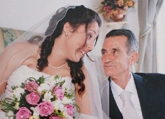 https://www.ragusanews.com//immagini_articoli/02-03-2020/il-padre-mori-per-colpa-amianto-la-marina-assume-la-figlia-240.jpg