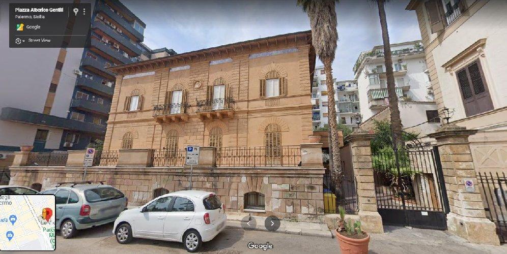 https://www.ragusanews.com//immagini_articoli/02-03-2021/1614694885-immobili-all-asta-si-vendono-pure-i-conventi-in-sicilia-250-foto-4-500.jpg