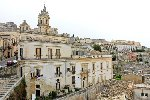 https://www.ragusanews.com//immagini_articoli/02-03-2021/immobili-all-asta-si-vendono-pure-i-conventi-in-sicilia-250-foto-100.jpg
