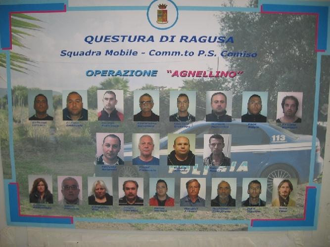 http://www.ragusanews.com//immagini_articoli/02-04-2014/droga-retata-a-scicli-santa-croce-e-comiso-22-arresti-tutti-i-nomi-500.jpg