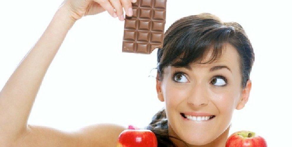 https://www.ragusanews.com//immagini_articoli/02-04-2018/dieta-cioccolato-esiste-funziona-500.jpg