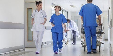 https://www.ragusanews.com//immagini_articoli/02-04-2020/gli-infermieri-ospedale-covid-non-siamo-eroi-240.jpg