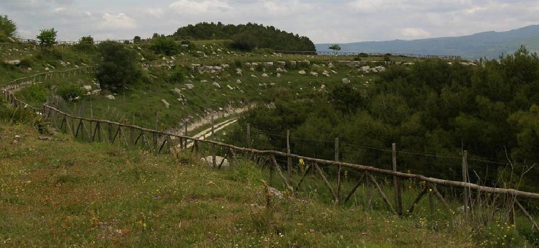 http://www.ragusanews.com//immagini_articoli/02-05-2014/domenica-11-maggio-si-terra-la-nivera-dellavis-500.jpg