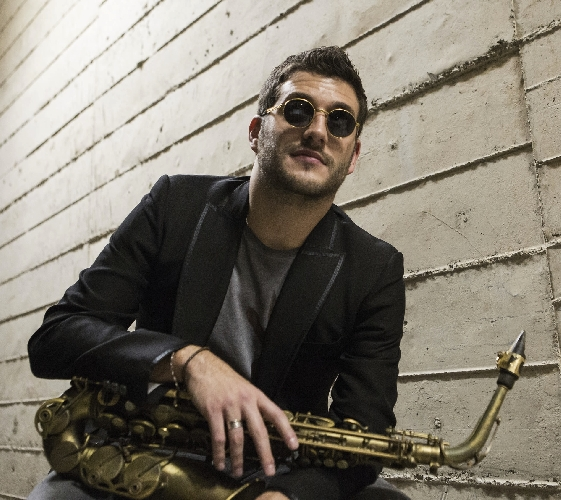 https://www.ragusanews.com//immagini_articoli/02-05-2015/parte-il-vittoria-jazz-fest-500.jpg