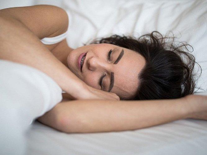 https://www.ragusanews.com//immagini_articoli/02-05-2021/disturbi-del-sonno-ecco-8-regole-per-dormire-bene-500.jpg