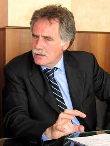 https://www.ragusanews.com//immagini_articoli/02-06-2007/il-liceo-cataudella-al-quarto-meeting-drago-500.jpg
