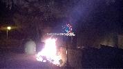 http://www.ragusanews.com//immagini_articoli/02-06-2017/atto-incendiario-villaggio-gulfi-intervenuti-vigili-fuoco-video-100.jpg