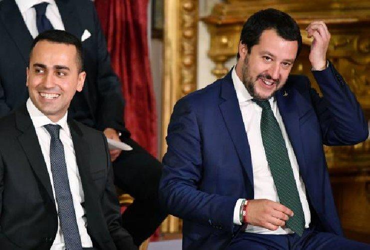 https://www.ragusanews.com//immagini_articoli/02-06-2018/ministro-interno-matteo-salvini-giugno-modica-500.jpg