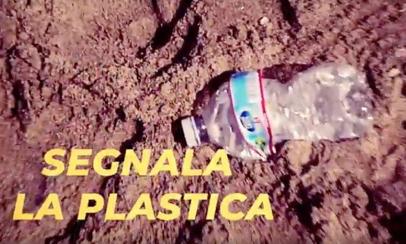 https://www.ragusanews.com//immagini_articoli/02-06-2018/segnalare-plastica-whatsapp-iniziativa-greenpeace-500.jpg
