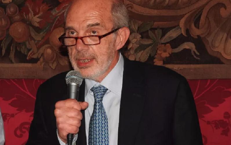 https://www.ragusanews.com//immagini_articoli/02-07-2019/scandalo-universita-si-e-dimesso-il-rettore-di-catania-basile-500.png