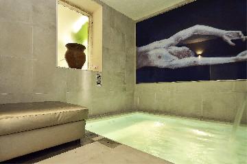https://www.ragusanews.com//immagini_articoli/02-07-2020/1593718890-un-convento-della-noto-barocca-in-un-oasi-di-charme-1-240.jpg