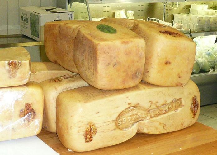 https://www.ragusanews.com//immagini_articoli/02-07-2021/agrumi-pecorino-cioccolata-pachino-il-cibo-siciliano-piu-amato-al-mondo-500.jpg