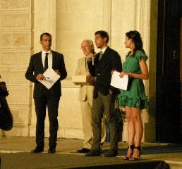 http://www.ragusanews.com//immagini_articoli/02-08-2011/pozzallo-assegnato-il-trofeo-del-mare-240.jpg