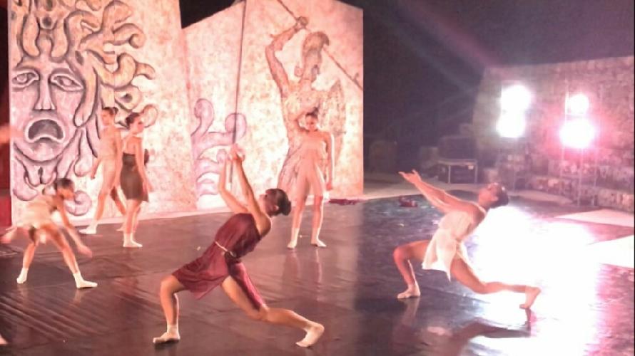 https://www.ragusanews.com//immagini_articoli/02-08-2017/festival-danza-palazzolo-500.jpg