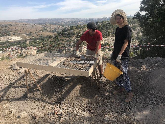 https://www.ragusanews.com//immagini_articoli/02-08-2018/soldi-scavi-archeologici-scicli-500.jpg