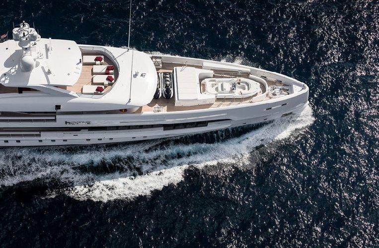 https://www.ragusanews.com//immagini_articoli/02-08-2019/1564777560-tenetevi-forte-e-arrivato-home-lo-yacht-ibrido-che-non-inquina-foto-1-500.jpg