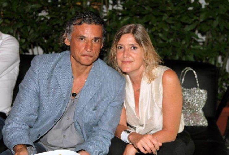 https://www.ragusanews.com//immagini_articoli/02-08-2019/enrico-lo-ed-elena-montagna-sposi-a-noto-500.jpg