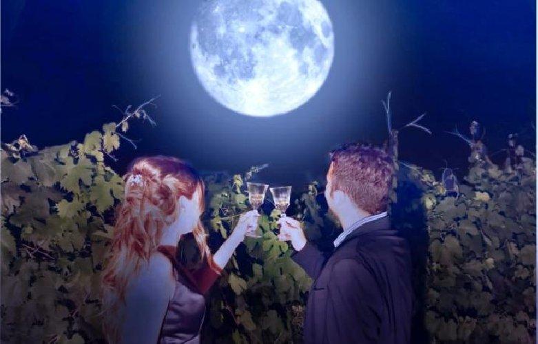 https://www.ragusanews.com//immagini_articoli/02-08-2019/vi-piace-il-vino-c-e-calici-di-stelle-500.jpg