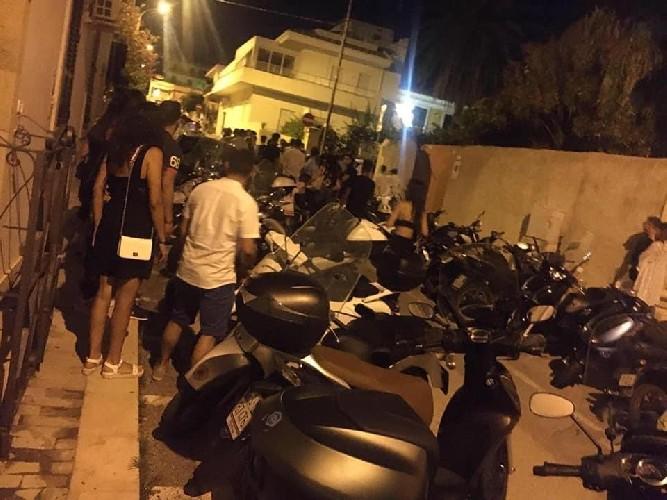 https://www.ragusanews.com//immagini_articoli/02-08-2020/rissa-notturna-a-marina-di-ragusa-500.jpg