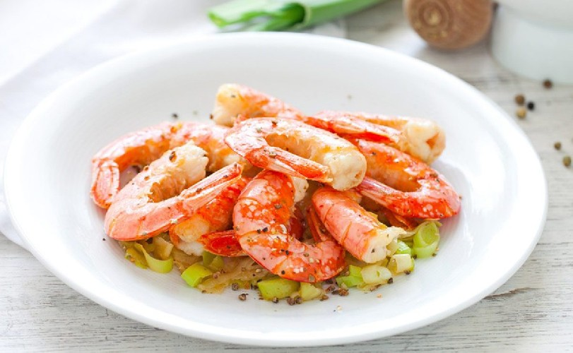 https://www.ragusanews.com//immagini_articoli/02-08-2020/sicilia-mangia-un-piatto-di-gamberi-ma-e-allergica-muore-a-27-anni-500.jpg