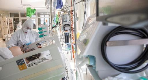 https://www.ragusanews.com//immagini_articoli/02-08-2021/2-agosto-23-morti-covid-in-italia-di-cui-3-in-sicilia-280.jpg