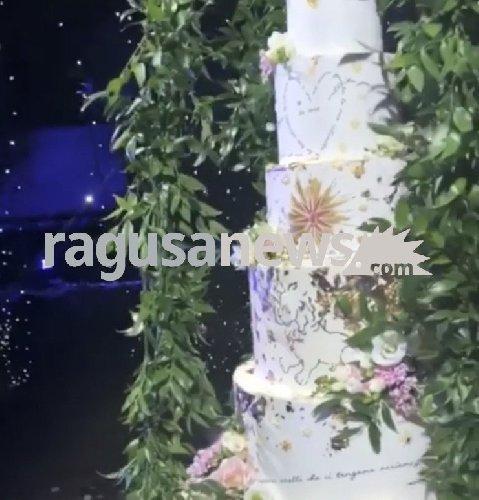 https://www.ragusanews.com//immagini_articoli/02-09-2018/nessuno-chef-stellato-matrimonio-ferragni-torta-500.jpg