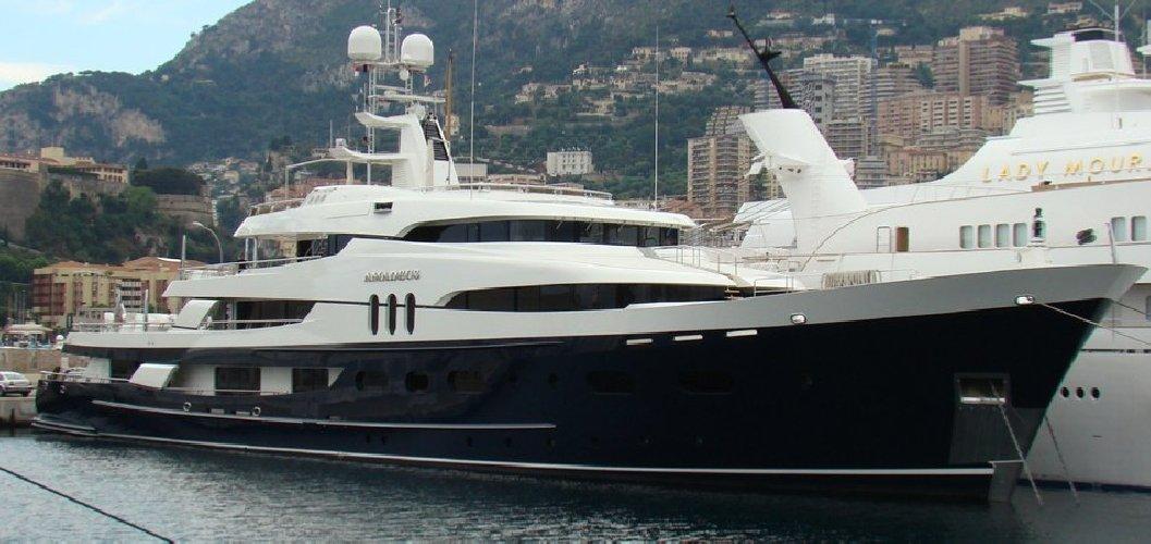 https://www.ragusanews.com//immagini_articoli/02-09-2019/1567421572-yacht-c-e-il-simphony-proprietario-di-louis-vuitton-1-500.jpg