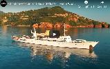 https://www.ragusanews.com//immagini_articoli/02-09-2019/lo-yacht-di-onassis-a-taormina-video-100.png