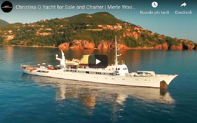 https://www.ragusanews.com//immagini_articoli/02-09-2019/lo-yacht-di-onassis-a-taormina-video-500.png