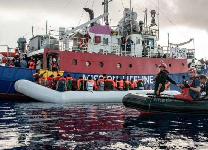 https://www.ragusanews.com//immagini_articoli/02-09-2019/migranti-nave-eleonore-forza-divieto-e-fa-rotta-su-pozzallo-500.jpg