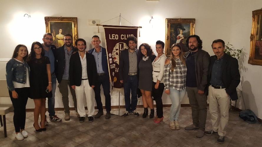 http://www.ragusanews.com//immagini_articoli/02-10-2017/cena-delitto-club-500.jpg