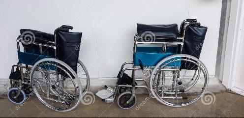 http://www.ragusanews.com//immagini_articoli/02-10-2017/dona-sedie-rotelle-maggiore-memoria-marito-240.jpg
