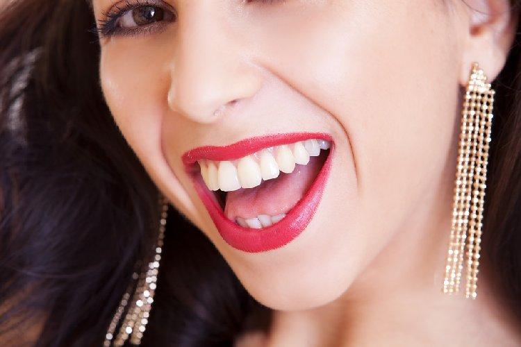https://www.ragusanews.com//immagini_articoli/02-10-2019/dieta-per-denti-sani-l-alimentazione-da-seguire-500.jpg