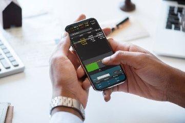 https://www.ragusanews.com//immagini_articoli/02-10-2019/truffe-trading-online-cosa-fare-per-difendersi-240.jpg
